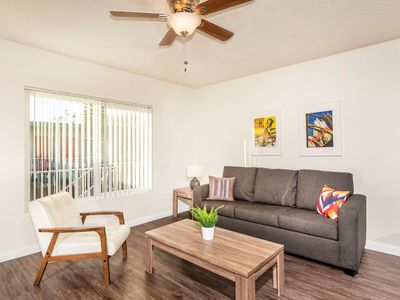 Photo for Lovely 1 Bd Apt Located In The Heart Of Hawthorne!