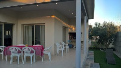 Photo for Air-conditioned house, garden, covered terrace, parking, near: beaches, city center