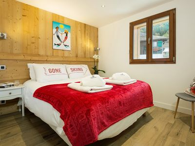 Photo for Stylish 2 Bedroom Apartment in central Morzine, sleeps 4/6, CHALET MORZINE