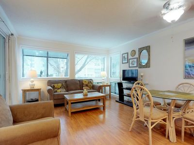 Photo for Snowbird friendly condo w/ shared pool, hot tub, sauna, & tennis - beach nearby!