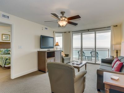 Photo for Spacious oceanfront condo, great pool amenities + FREE DAILY ACTIVITIES!
