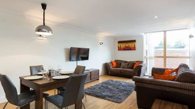 Photo for 1 bed flat, East Croydon, GR London
