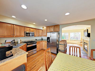 3BR Townhome in Prime Green Lake Location