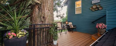 Photo for A quiet retreat close to downtown Portland, Beaverton, Hillsboro & Tigard