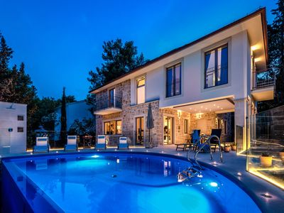 Photo for Deluxe Villa 6 Bedrooms in Lenno
