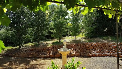 Pavilion bird-filled and private garden