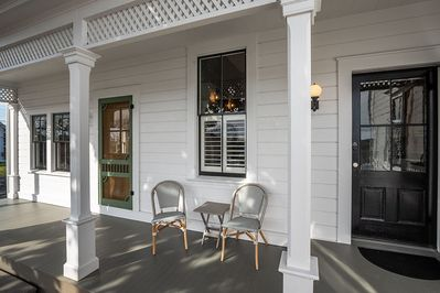 Relax & unwind on the covered porch! - Relax & unwind on the covered porch!