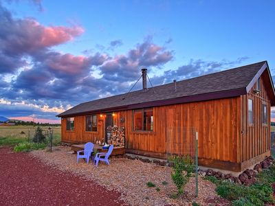 West Of The Moon Retreat: Backs Kaibab National forest/wifi