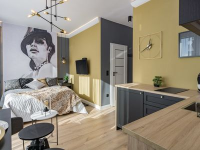 Photo for Chic Edith Studio - Studio Apartment, Sleeps 2