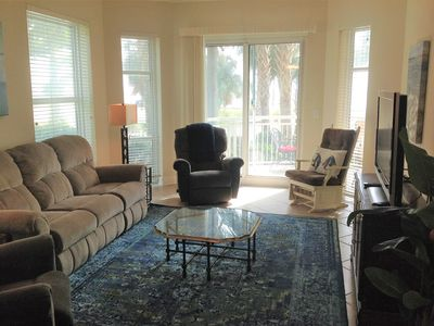 Photo for Beautiful 3/3 Corner Penthouse Unit on 1st Floor with Ocean View