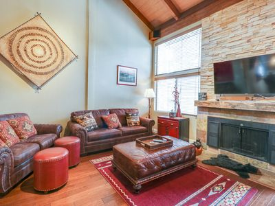 Photo for Condo w/ direct shuttle access to shared pool/hot tub. skiing & the Village!