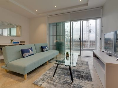 Photo for Amazing 1 bed flat in Battersea with balcony