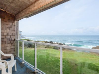 Photo for Oceanfront & Pool house.King bedroom & living room overlook ocean