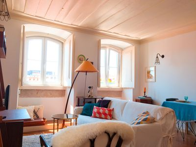 Photo for Sunny one-bedroom apartment in central Lisbon