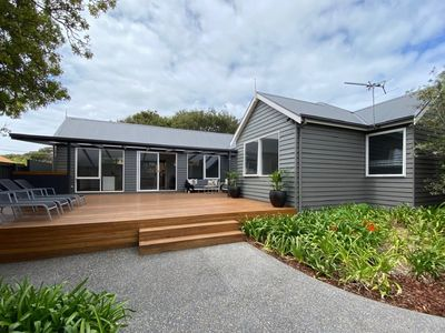 Photo for Newly renovated Sorrento property in prime location to back beach and shops