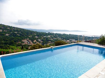 Photo for Villa with pool and panoramic sea views in Cavalaire