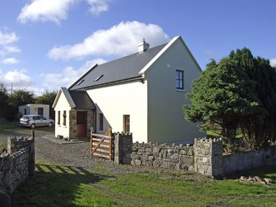 Photo for JOHNNIE'S COTTAGE, pet friendly in Scarriff, County Clare, Ref 4326