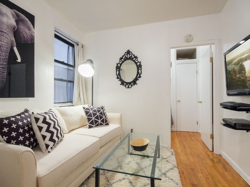 Upper East Side 1 Bedroom Apartment