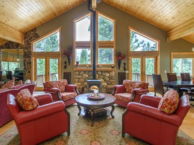 Photo for Fall Savings! Tahoe Donner 3BR w/ Private Hot Tub - Near Lakes, Ski Slopes