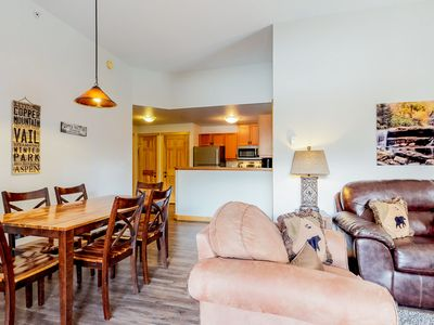Photo for Updated condo near the lifts w/ a full kitchen, ski view, & shared hot tubs