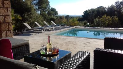 Photo for Peaceful villa with quality services at the gates of Haut-Var - Flayosc