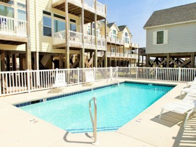 Photo for Beautiful Townhouse, Community Pool and Beach Access