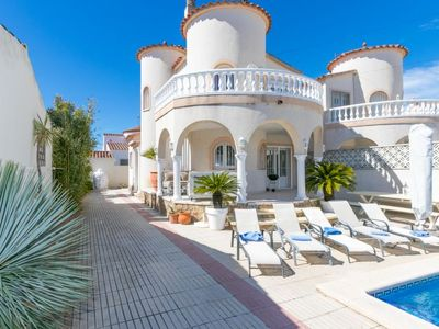 Photo for Vacation home Azzura in Empuriabrava - 8 persons, 4 bedrooms
