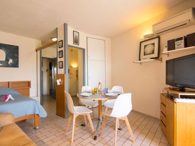 Photo for Apartment Le Port de la Gavine in Hyères - 4 persons, 1 bedrooms