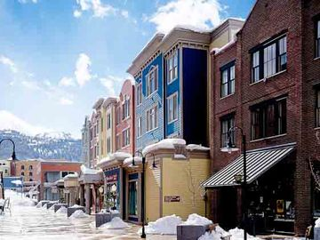 3/4 - 3/11/18 ONLY WEEK AVAIL. Ski-in, ski-out Park City lux condo at Town Lift