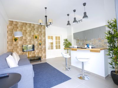 Photo for Oeiras Feature apartment in Oeiras with WiFi, air conditioning & lift.