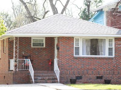 Spacious Corporate Home w/ King Bed, 5 Min walk to Downtown + Near it all