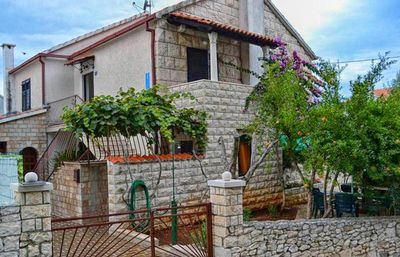 Photo for Apartment in Sutivan (Brač), capacity 2+2