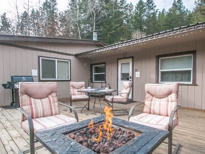 Photo for Cottage on the Creek, 5 miles to town, WiFi, Hot Tub, TV, Propane pit/BBQ