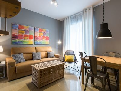 Photo for Alberto Lista apartment in Casco Antiguo with WiFi, air conditioning, balcony & lift.