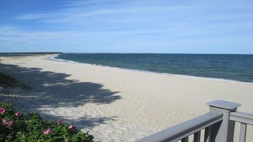 Newly Renovated 3 Bed 2 Bath Cottage Walk To Private Beach New Seabury Cape Cod Massachusetts
