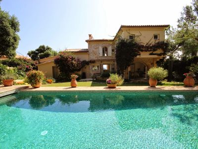 Photo for Waterfont villa with panoramic sea view near Garoupe beach