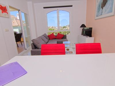 Photo for Apt 2 bedrooms with terrace and lake view