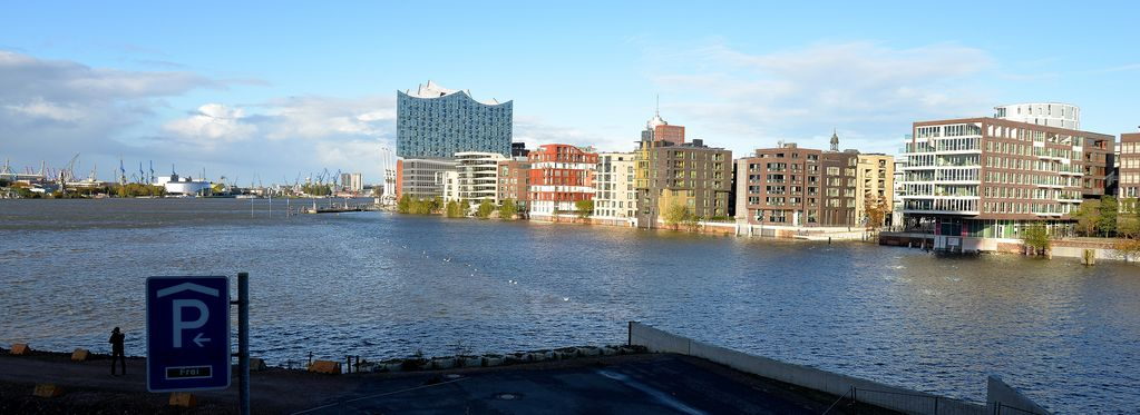 HafenCity, Marco Polo Tower, exclusive location, pure luxury ...