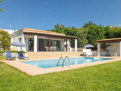 Photo for Peaceful villa with a pool surrounded by stunning views close to resort