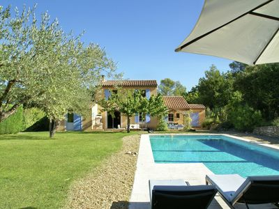 Photo for Perfect villa with everything at hand in the beautiful Lubéron region