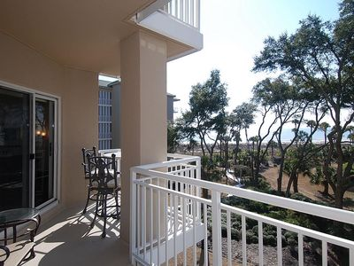 Photo for 3rd floor, 2 bedroom and 2-bath villa has a direct ocean view, easy pool and bea