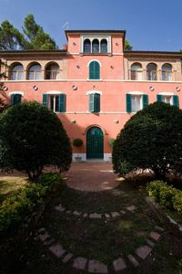 Photo for Villa Gioia - Manor house with pool surrounded by greenery
