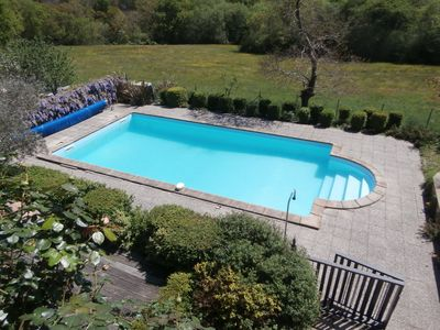 Photo for Quiet, with pool in the forest edge, near the tennis, golf, center