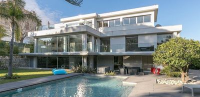 Photo for Superb modern 5 bedroom villa in the heart of Cannes