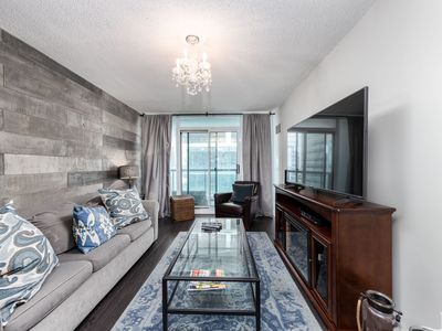 Photo for 1B+Den Lakeview New Condo near Scotiabank Arena