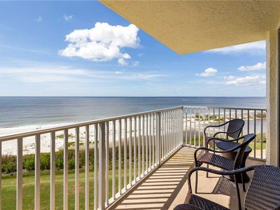 Photo for Estero Beach & Tennis 805A,1 Bedroom, Sleeps 4, Heated Pool, Elevator