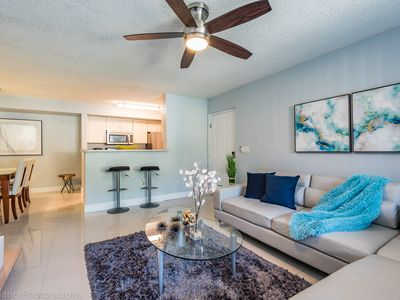 Photo for Modern and chic 1B/1B in South Florida near Beach