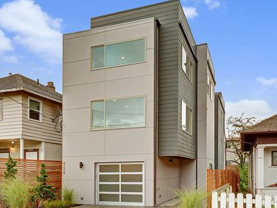 Photo for bright, fun, modern. master suite. 90walk. roof deck.  walkable!