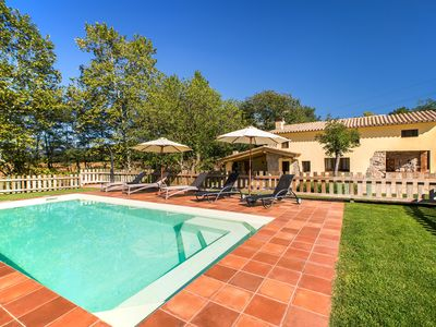 Photo for Beautiful house in a privileged environment with large garden and pool