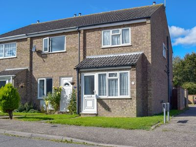 Photo for 2 bedroom accommodation in Hopton-on-Sea, near Great Yarmouth